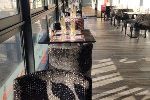 veranda_salle_restaurant_lecomptoir